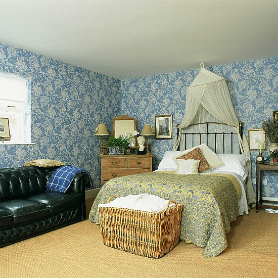 Bedroom with patterned wallpaper for Blue patterned wallpaper bedroom