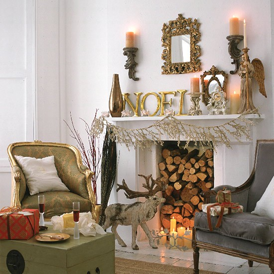 Christmas living room | Living room ideas | Country Homes & Interiors | image | Housetohome.co.uk