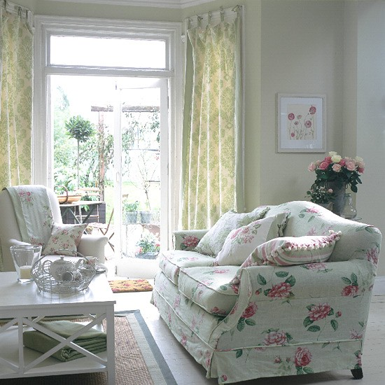 ... living room with floral sofa and curtains | housetohome.co.uk