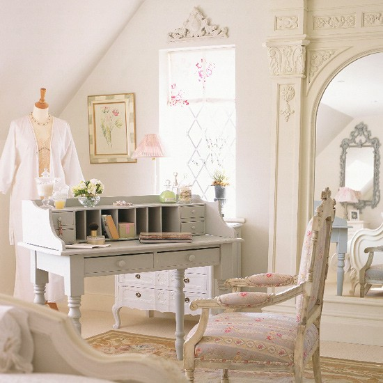 French style bedroom antique style bedroom furniture for Chambre style shabby chic