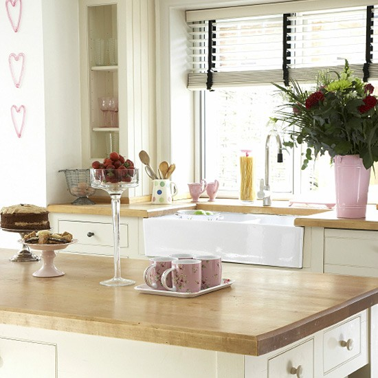Contemporary country kitchen modern design decorating for Modern country kitchen designs