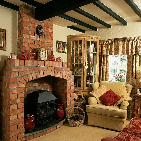 Country cottage living room living room furniture for Living room interior ideas uk