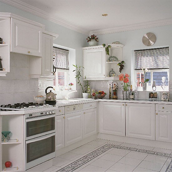 Modele Cuisine Blanc Et Bois : Classic black and white kitchen  Kitchen design  Decorating ideas
