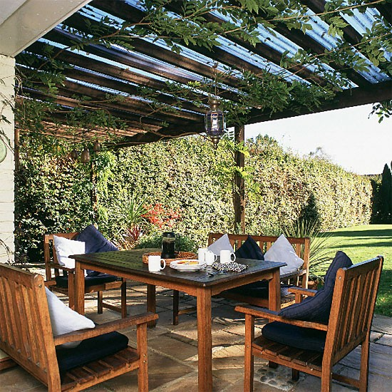 Garden dining area outdoor furniture landscape design for Garden design decking areas