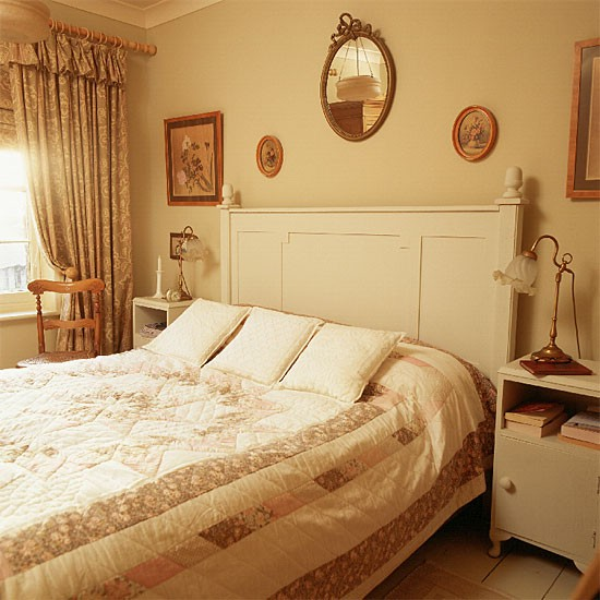 Victorian style bedroom bedroom decorating ideas for Victorian house bedroom ideas