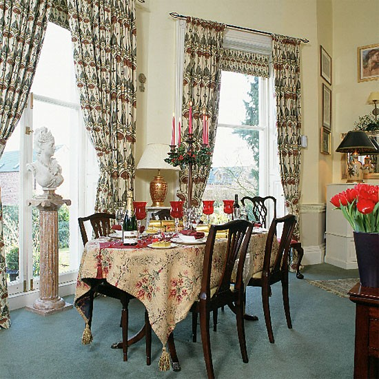 Georgian style dining room with traditional furniture and for Georgian dining room ideas