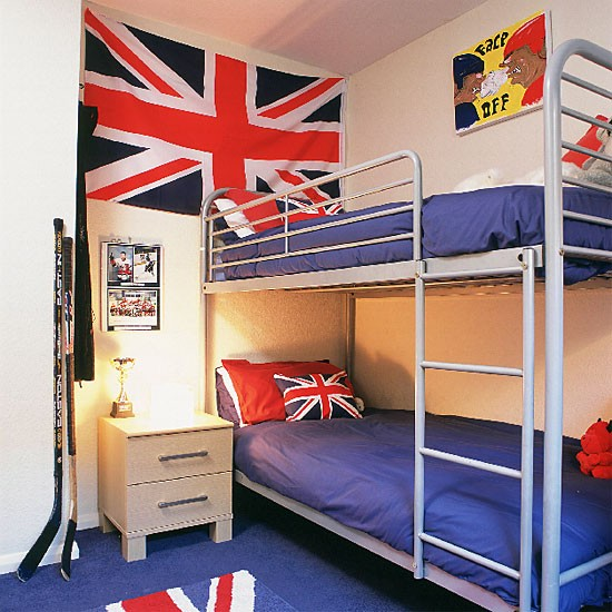 Boys 39 bedroom with bunkbeds and union jack for Union jack bedroom ideas