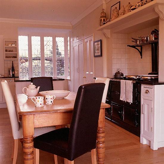 Traditional black and white kitchen/diner | Monochrome Kitchen | Decorating ideas | Image | Housetohome.co.uk