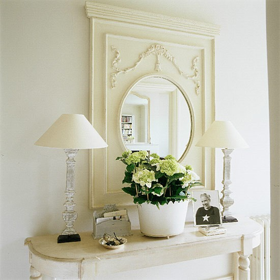 Cream hallway detail hallway design decorating ideas for Cream hall table