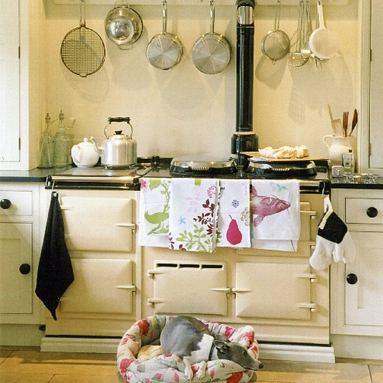 Aga And White Shaker Style Units Scheme In This Country Style Kitchen