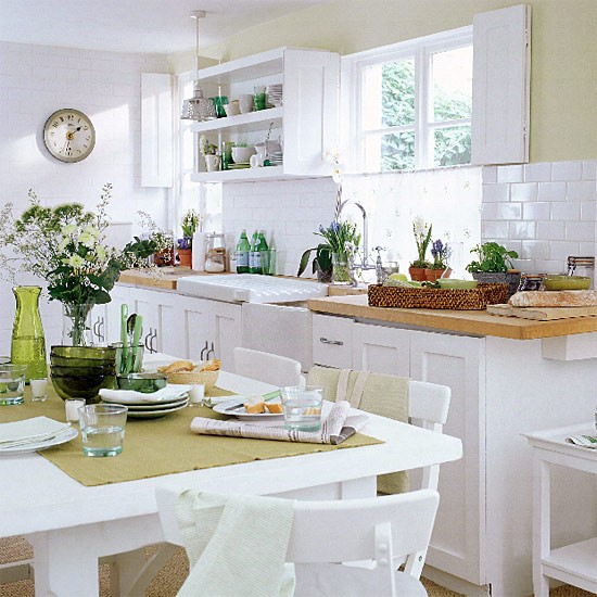 White Kitchen Units With Oak Worktop: Kitchen/diner With White Units, Shelves And Wooden Worktop