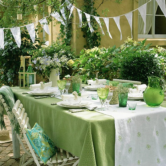 Outdoor dining | dining room ideas | image
