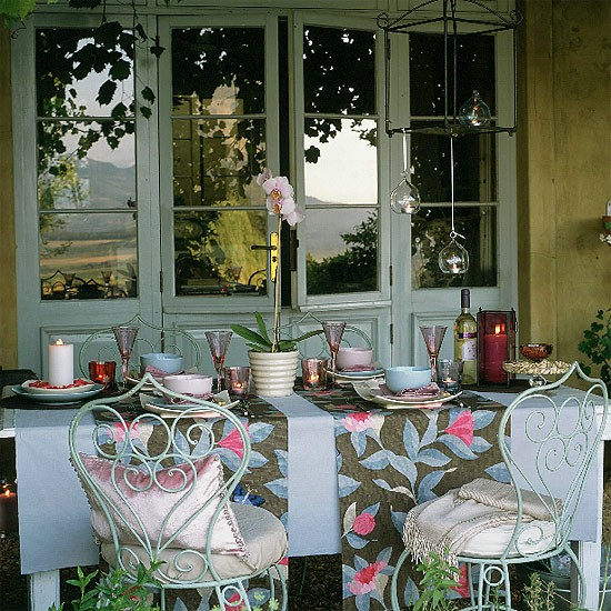 Outdoor evening dining | dining room ideas | image