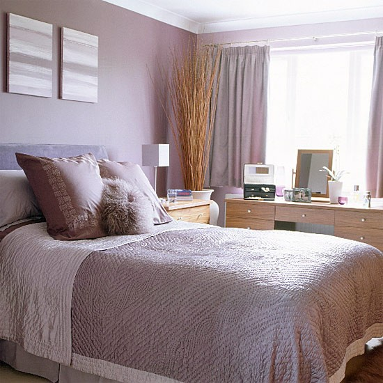 Bedroom with lilac walls for Bedroom ideas lilac
