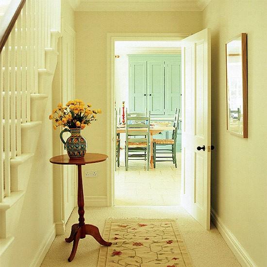 Cream Hallway With Occasional Table Housetohomecouk