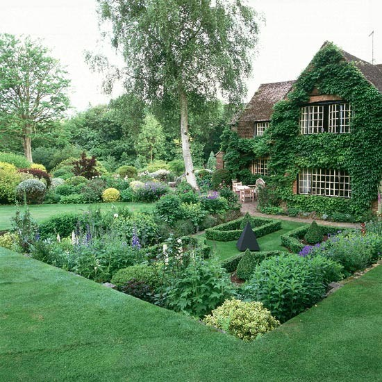Garden ideas formal planting gardening for Stunning garden designs
