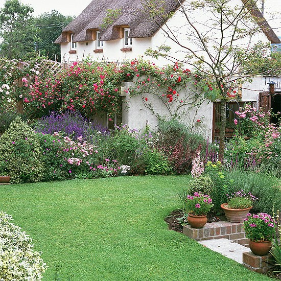 Cottage garden | garden ideas | image