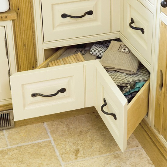 Space-saving kitchen corner drawers | Kitchen design | Decorating ideas | Image | Housetohome