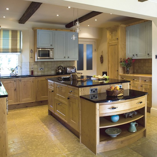 Oak farmhouse kitchen kitchen design decorating ideas for Farmhouse kitchen ideas