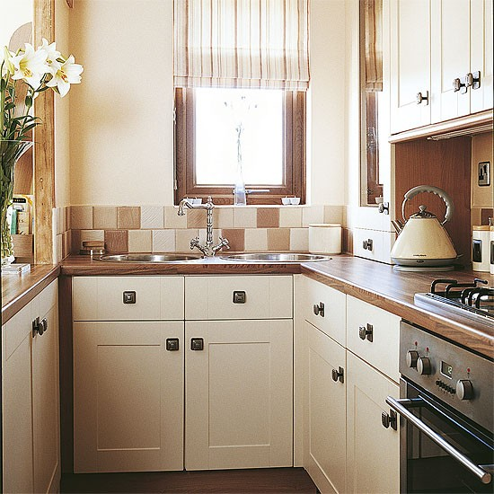 Small country style kitchen kitchen design decorating for Small white country kitchen