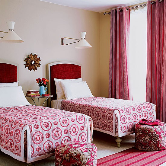Twin guest bedroom bedroom design decorating ideas for Guest room with twin beds