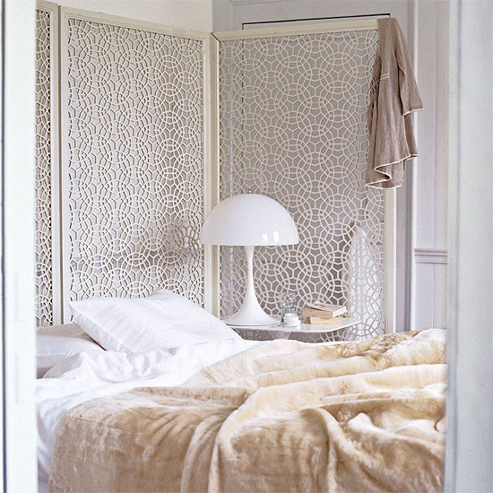 White Bedroom With Screen Bedroom Design Decorating