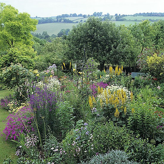 Hillside garden | Pretty garden | Landscape design | Decorating ideas | Image | Housetohome