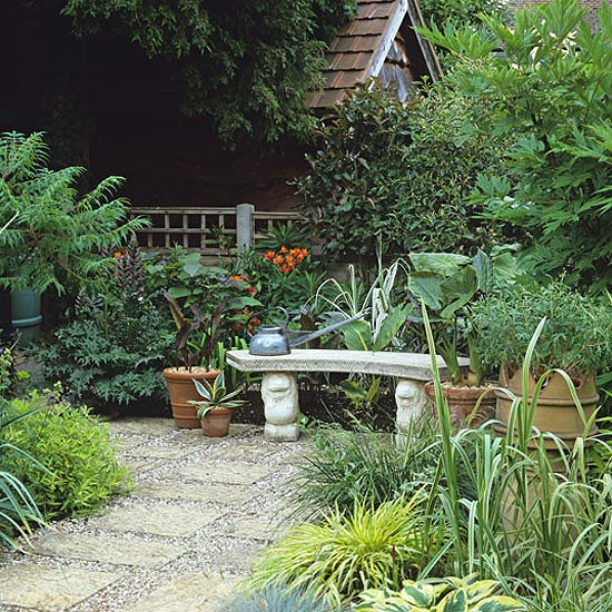 Garden With Small Courtyard Design Decorating Ideas Housetohomecouk