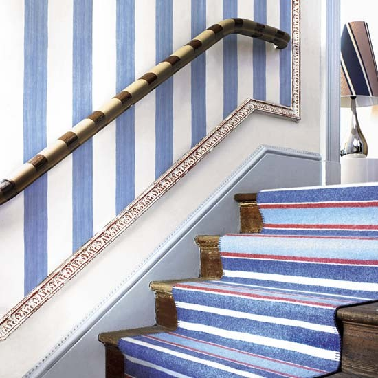 Hallway with striking stairs | Hallway design | Decorating ideas