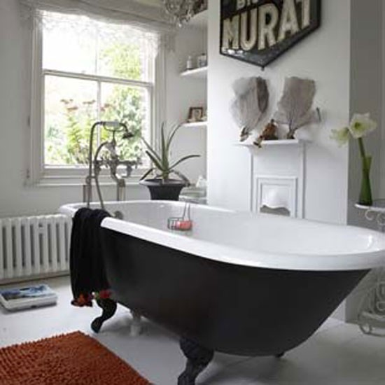 Vintage bathroom for Antique bathroom decorating ideas