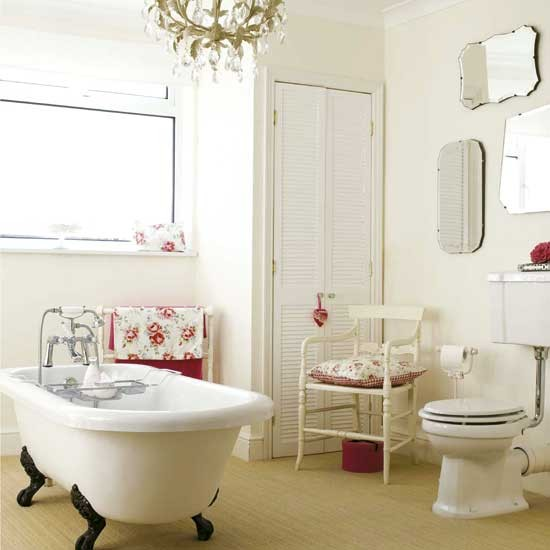 Vintage style bathroom | Bathroom idea | Freestanding bath | Image | Housetohome.co.uk