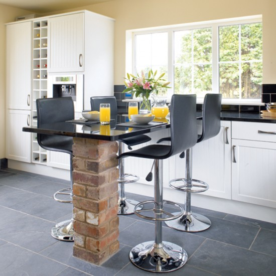 Kitchen with stylish breakfast bar Kitchen design  : dining21 from www.housetohome.co.uk size 550 x 550 jpeg 71kB