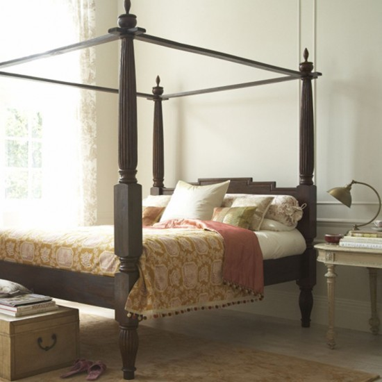 Bedroom with four poster bed bedroom furniture for Bedroom designs with four poster beds