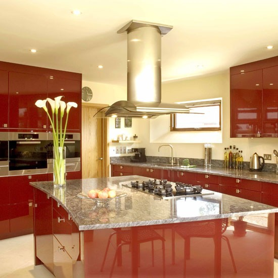 Stunning red kitchen | Kitchen design | Decorating ideas | Image | Housetoohme