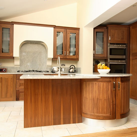 Housetohome Co Uk: Spacious Walnut Kitchen
