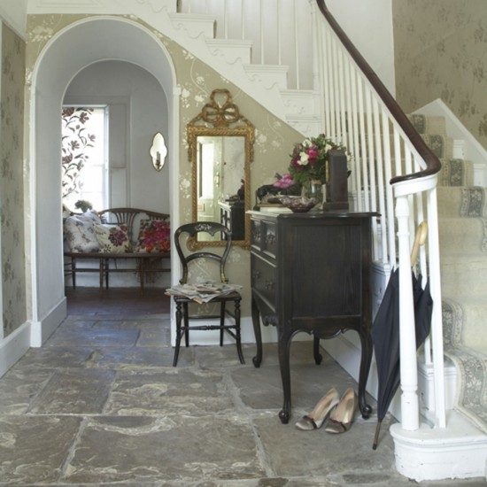 Elegant country style hallway hallway design for Elegant foyer ideas