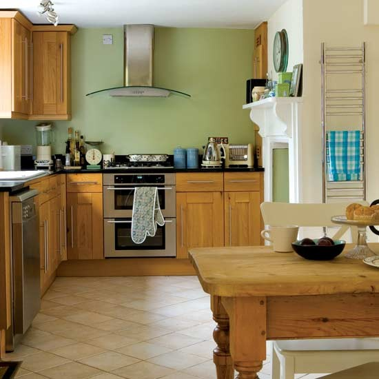 Timeless country kitchen kitchen design decorating for Kitchen design ideas uk