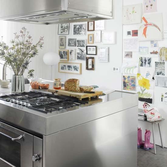 LE colourful kitchen