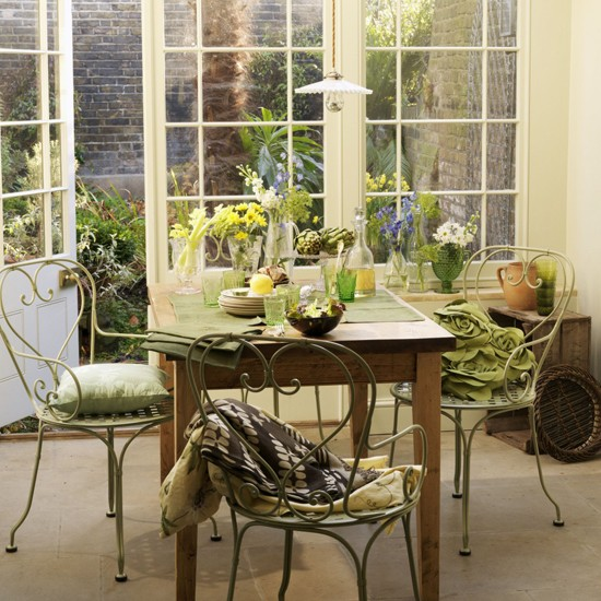 Garden dining room dining room furniture decorating for Olive green dining room ideas