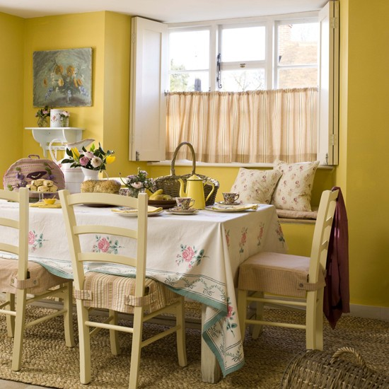 Country cottage style dining for Country style dining room ideas