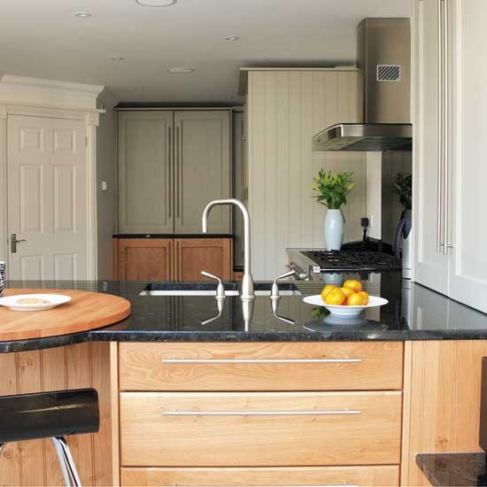 Oak and painted kitchen | Kitchen design | Decorating ideas | Image | Housetohome