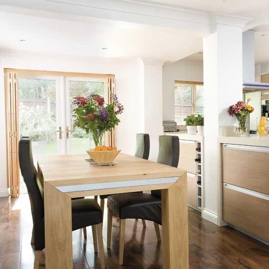 Sleek kitchen-diner