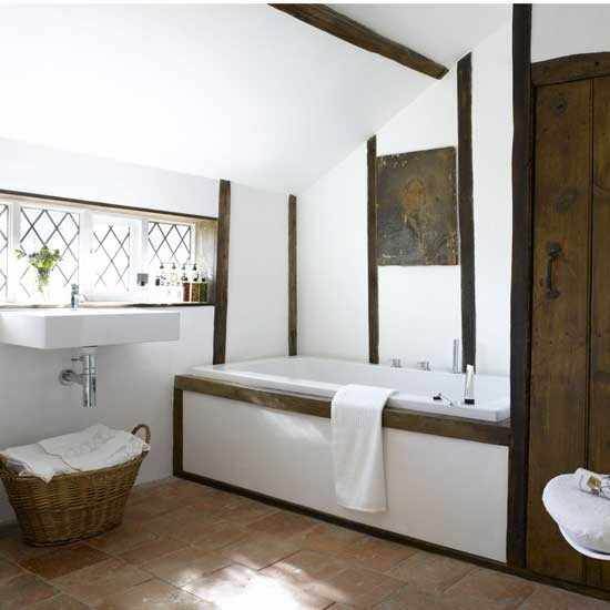 Modern country bathroom bathroom vanities decorating for Images of country bathrooms