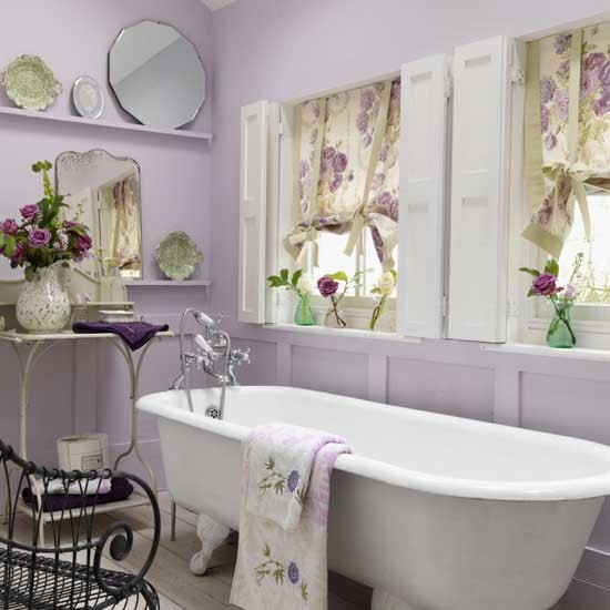 Add florals to your bathroom | Relaxed bathroom design ideas