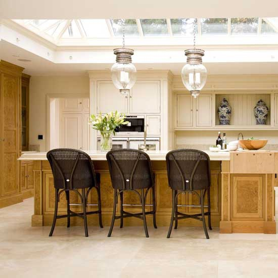 Traditional cream kitchen  Kitchen design  Decorating ideas  Image