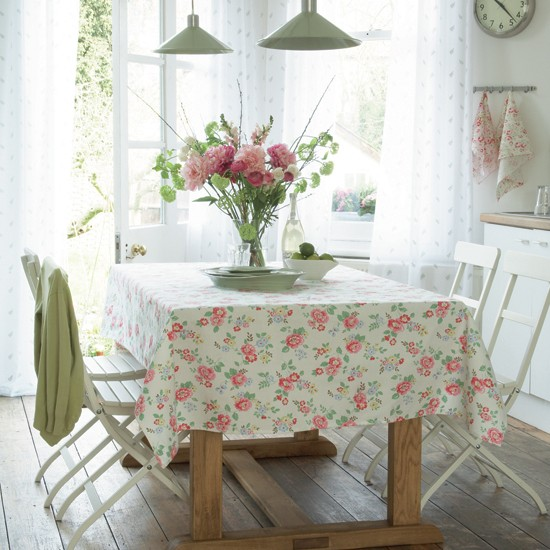 Country dining room with floral designs | Summer floral ...