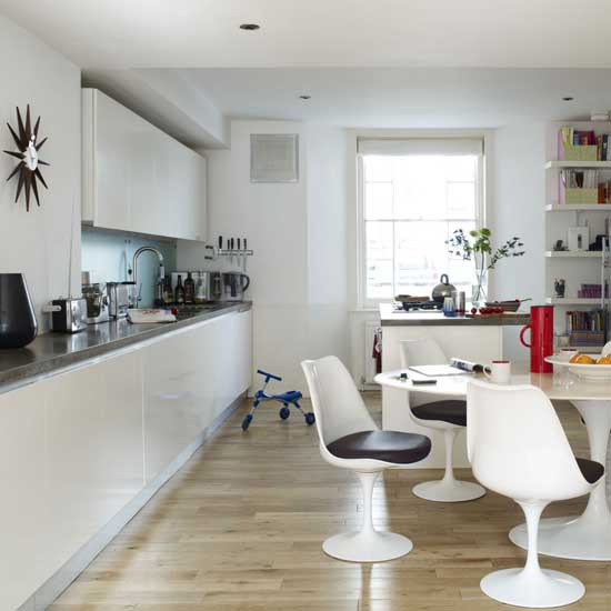 Housetohome Co Uk: Modern White Kitchen