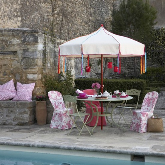 Patio with accents of pink | Garden design | Decorating ideas | Image | Housetohome