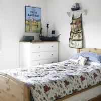 Boy's comic bedroom