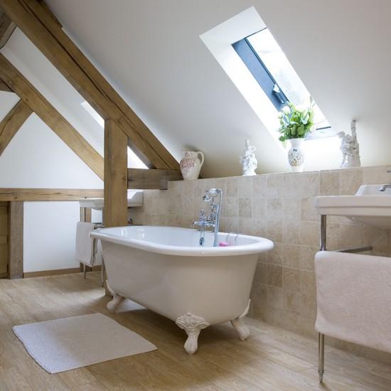 Traditional-style bathroom | Bathroom idea | Freestanding bath | Image | Housetohome.co.uk